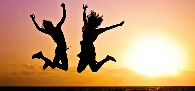 cercare la felicita e saltare di gioia
