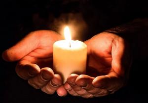 la speranza arde come una candela